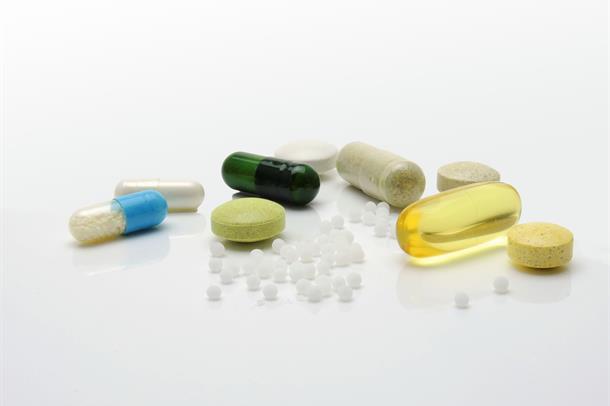 Nærbilde av piller og tabletter