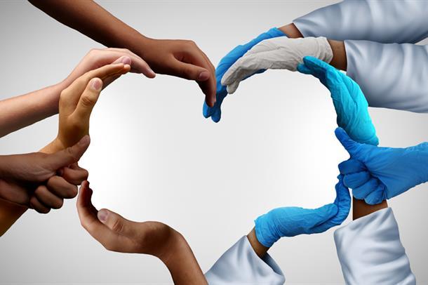 Bilde av hender som former et hjerte