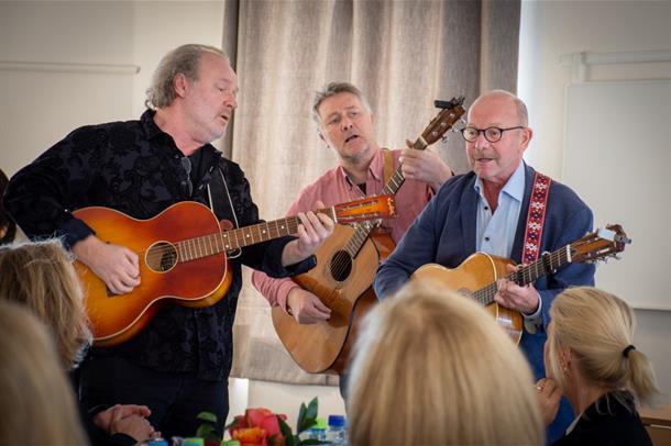 Jonas Fjeld, Ben Basgård og Hans Cato Kristiansen underholdt