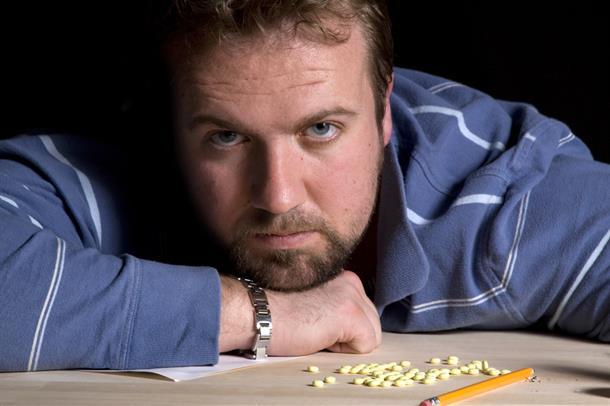 foto av mann med piller